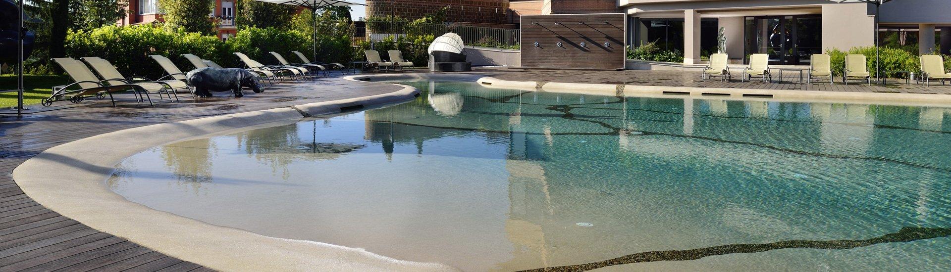 piscina naturale per hotel