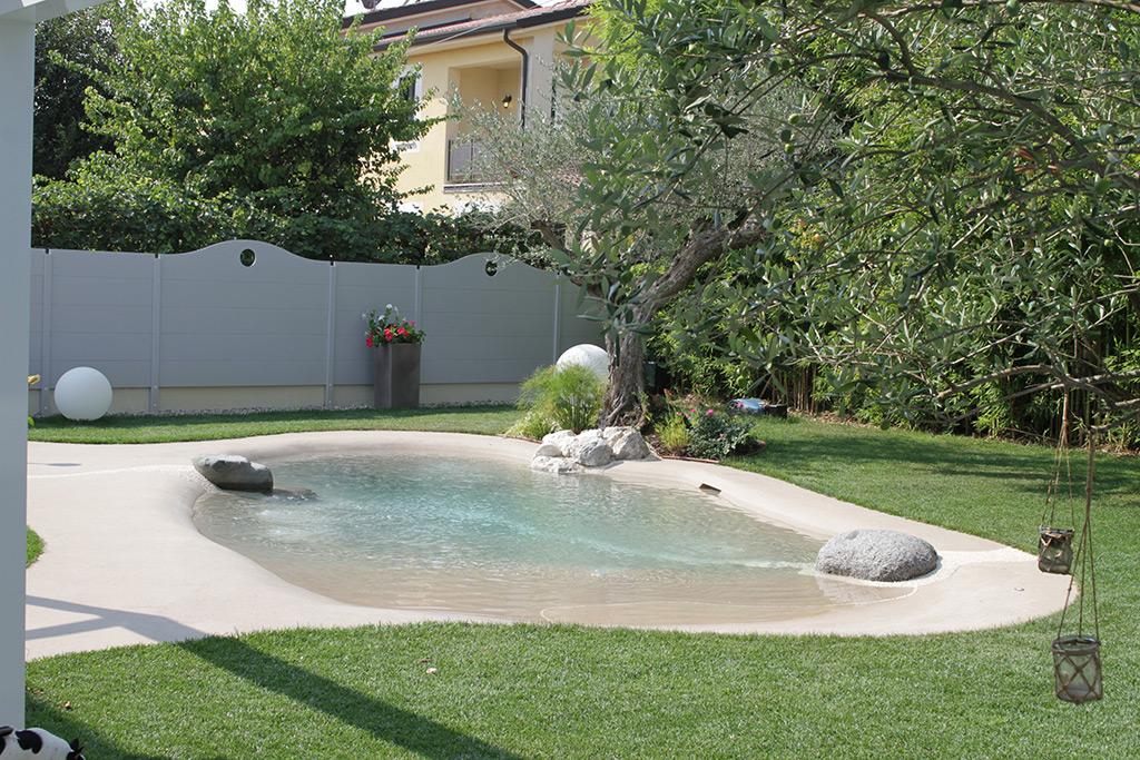 Piscina naturale a Borgo Angeli Mantova